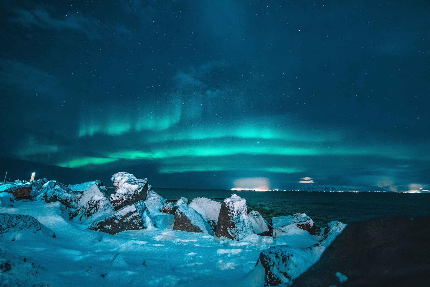 Northern-light-evening-iceland