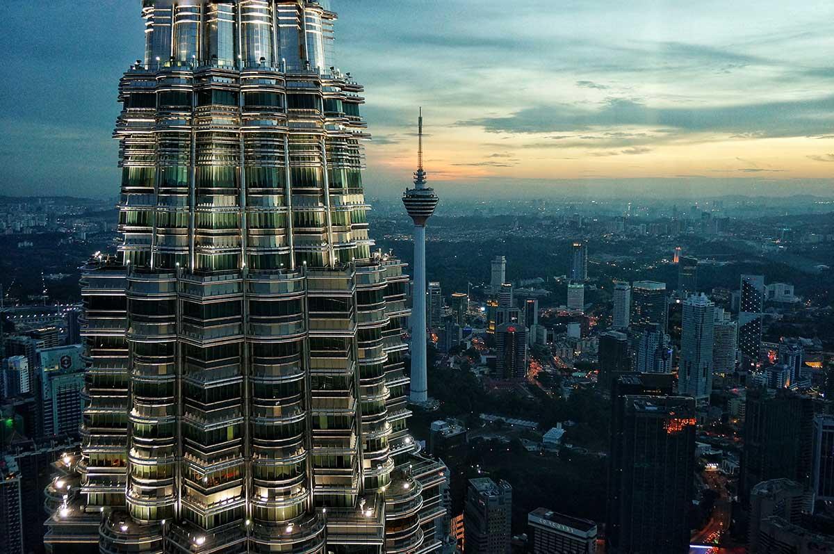 Petronas-Twin-Towers,-Kuala-Lumpur,-Malaysia