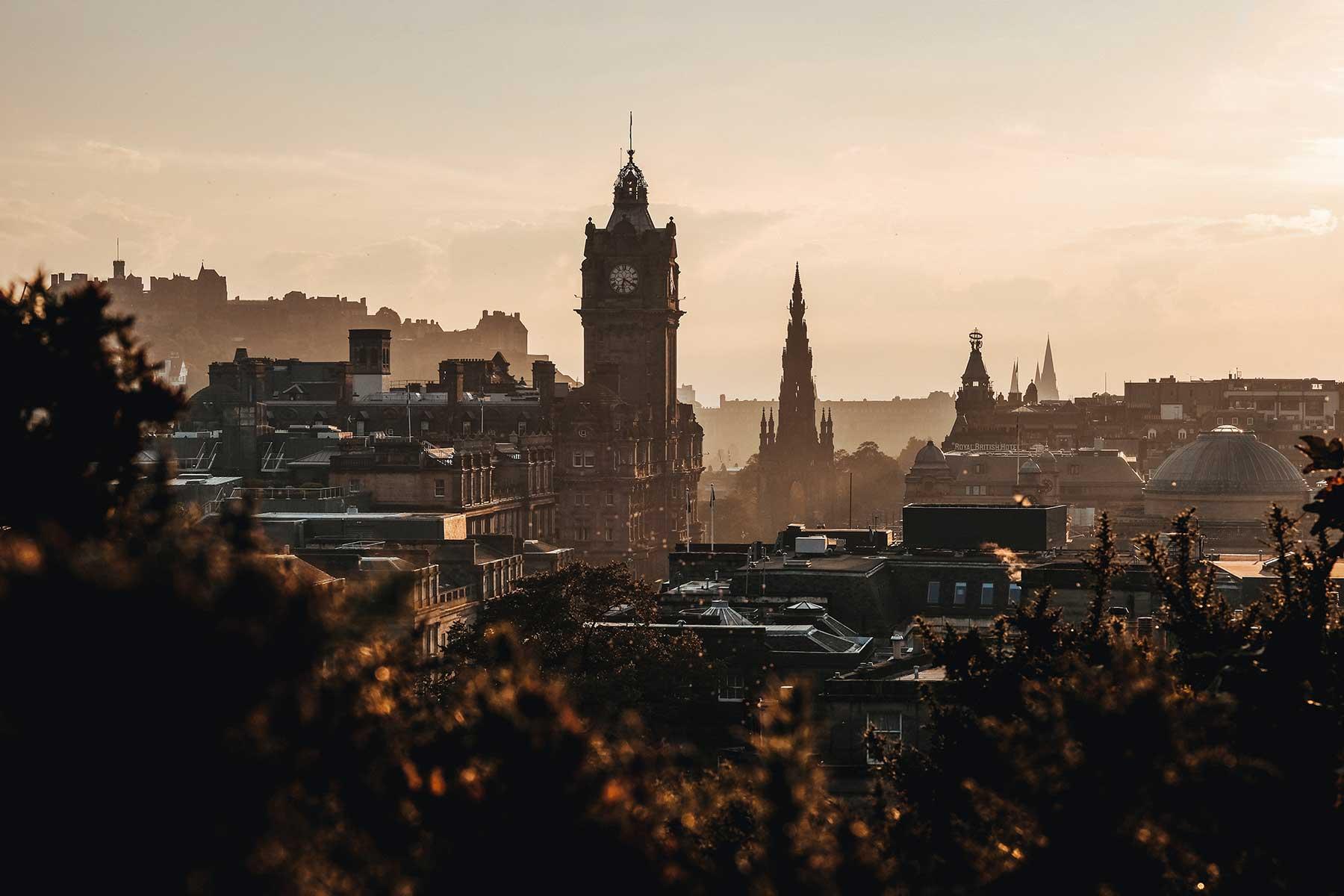 Calton-Hill,-Edinburgh,-United-Kingdom