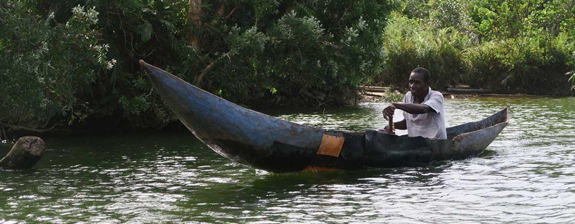 Dhow-or-Canoe-cruises